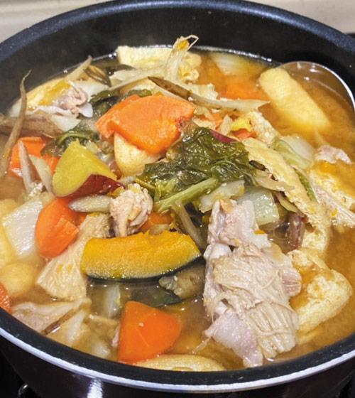 野菜たっぷり豚汁風鍋