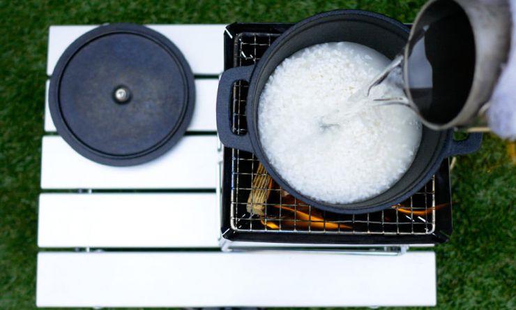 米と水入れる
