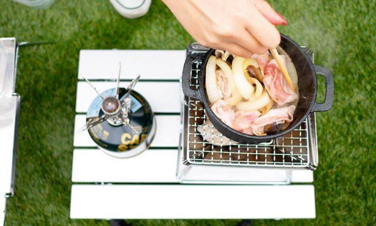 野菜と肉炒める